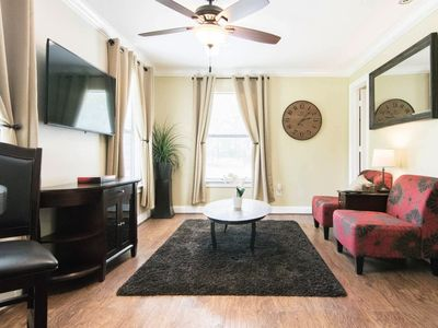 Photo for Hobby Apartment, 1 Mile to Hobby Airport