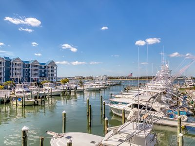 Photo for Waterfront condo w/ gorgeous bay views from the balcony & a shared pool