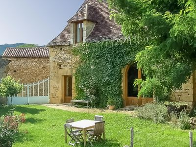 Photo for Delightful cottage with shared pool in the heart of the Dordogne valley...