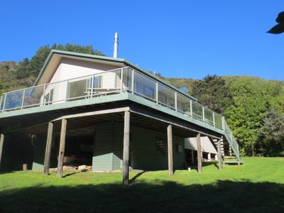Photo for Fantail's Haven - Fantastic private holiday home!