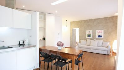 Photo for ☆ Luxury Flat ☆ 850m to Arena 2BR downtown+parking. AC every room