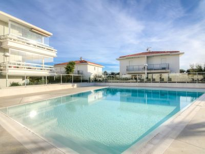Photo for Apartment Royal Rivage in Carqueiranne - 4 persons, 1 bedrooms