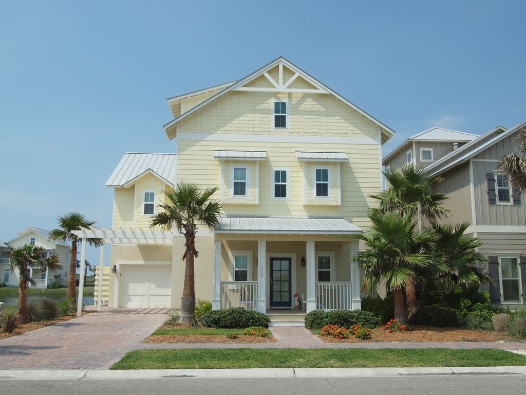Enjoy quick walk to beach and pools, amazing lake views and bright decor!