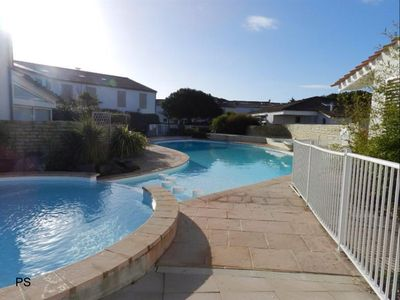 Photo for APARTMENT WITH SHARED POOL AND PRIVATE PARKING NEAR THE BEACH