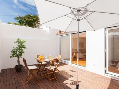 Photo for Príncipe Real with Terrace apartment in Bairro Alto with WiFi & private terrace.