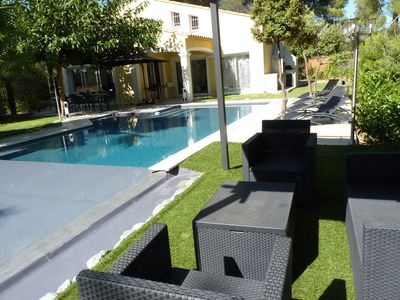 Photo for Modern villa with infinity pool in Castellet
