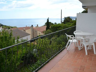 Photo for Fantastic apartment with panoramic sea views.