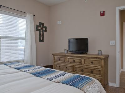Photo for Luxury 3 Bedroom Condo on the Lake #229044