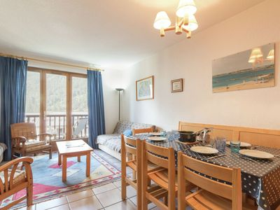 Photo for Large apartment with balcony, nearby Grands Bains and only 400m away from the piste