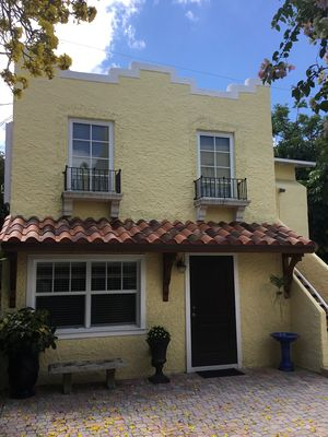 Photo for Cottage guesthouse just minutes from downtown WPB and the beaches of Palm Beach!