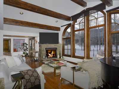 Photo for Aspen 5 bdrm home located on bus route and a short drive from all four ski areas