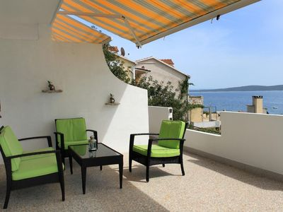 Photo for Two bedroom apartment near beach Ivan Dolac (Hvar)