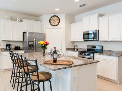 Photo for Davenport, FL - Solterra Resort - 6 Bed  x 5.5 Bath Very close to Clubhouse