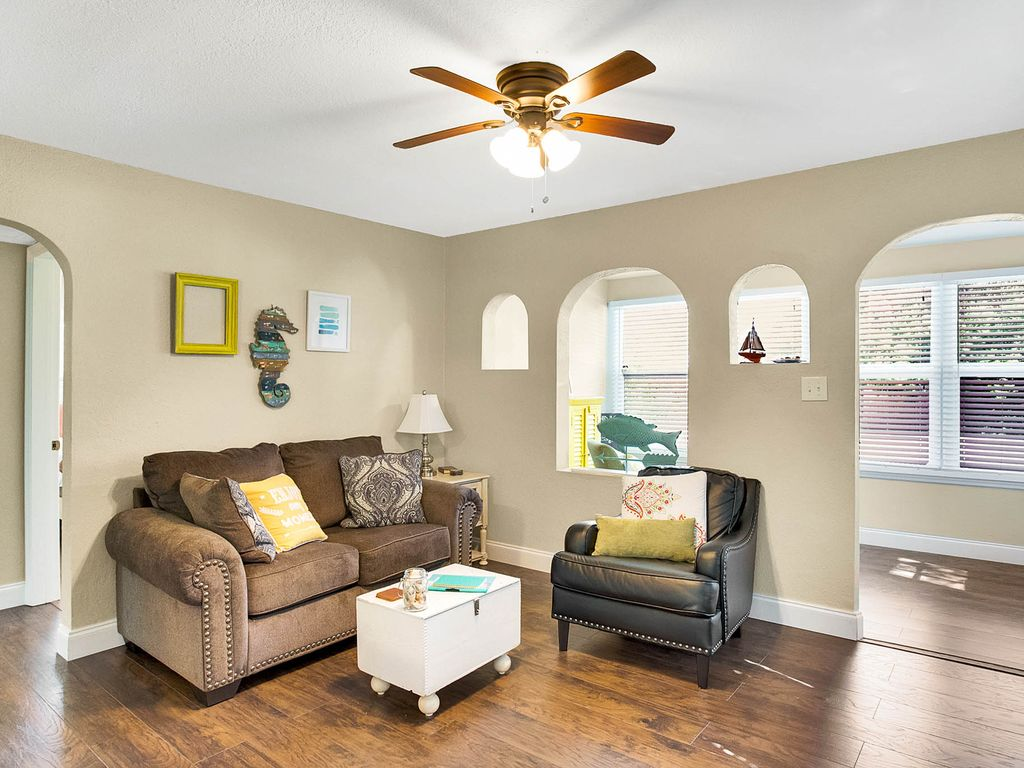 Artsy Beach Cottage in Clearwater: 2BR Beach BlueJay Bungalow ...