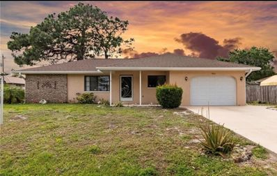 Photo for Adorable Clean and fresh Beach  Home 1 mile from Manasota Key