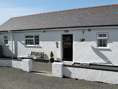 Photo for 2 bedroom property in Beaumaris. Pet friendly.