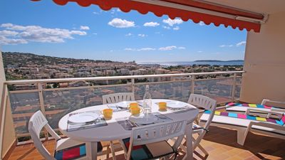 Photo for Studio cabin 3 persons - Sea view - Swimming pool and tennis residence - Sainte Maxime