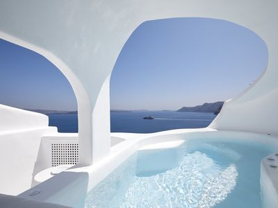 Photo for Oia White Cave with outdoor and indoor hot tub