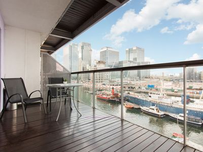 Photo for Luxury Bay Apartment - Canary Wharf