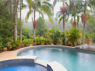 Photo for Escape 1hr from nth Sydney 12.5 m Pool & large heated Spa