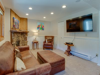 Photo for Conveniently located condo w/ shared pool & hot tub - mtn views, walk to lifts!