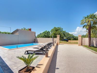 Photo for Modern villa with three bedrooms, private pool, air conditioning, WiFi, BBQ and sun loungers