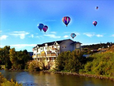 Welcome to Riverdance located right on the San Juan river!