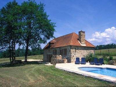 Photo for Beautiful Cottage with heated pool, pet friendly