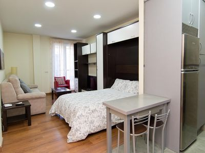 Photo for Jardines 2B apartment in Sol with WiFi, integrated air conditioning, balcony & lift.