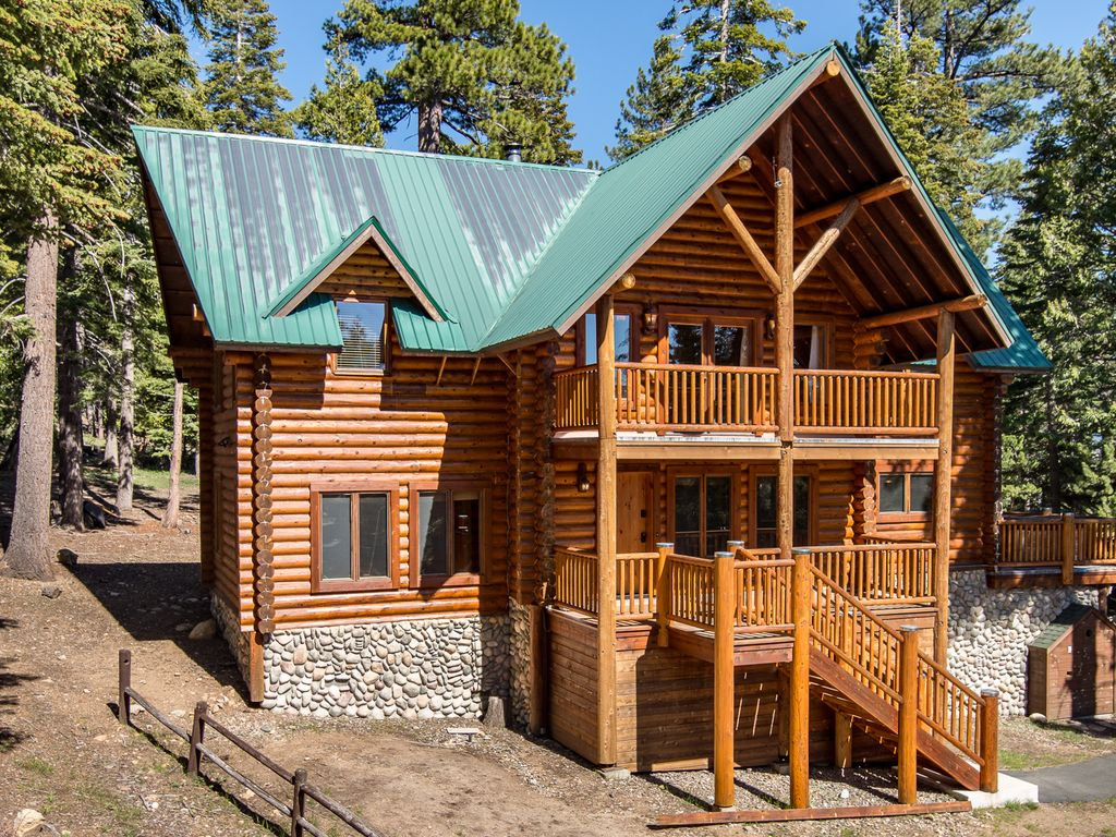 Exterior   Welcome To South Lake Tahoe! Your Cabin Is Professionally  Managed By TurnKey Vacation