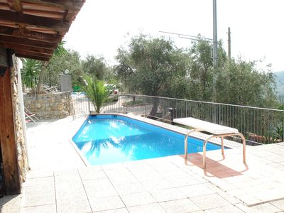 Photo for Apartment in villa in countryside with pool, sea at 15km
