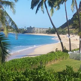 Oceanside Bungalow On Beautiful Makaha Beach Great Surfing And Snorkeling
