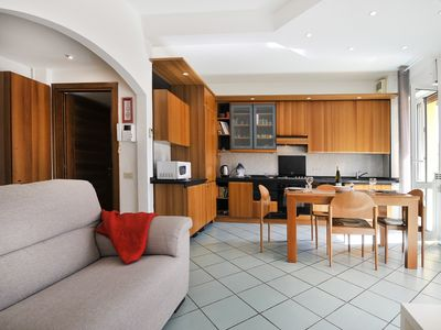 Photo for Beautiful 1 bdr apt with terrace in residential area