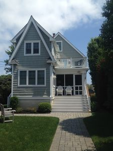 Walking distance to town and the beach.  The charm of a beach cottage with all of the updated amenities.
