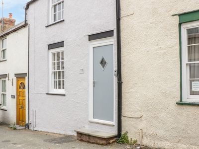 Photo for Clock Cottage, CONWY
