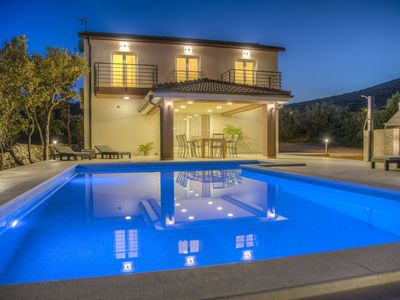 Photo for NEW Luxury villa with heated pool, 3km from the sea