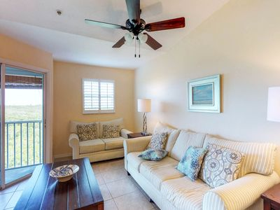 Photo for Dog-friendly condo with shared pool near the beach, wetlands, trolley stop!