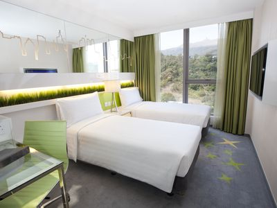 Dorsett Room with twin bed - Free Wifi+Pool+Gym