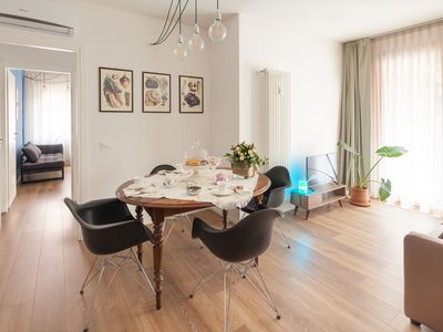 Photo for Retreat to this Cozy, Modern and Glam Apartment