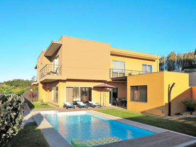 Photo for This 3-bedroom villa for up to 6 guests is located in Vila Chã and has a private swimming pool, air-