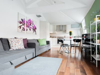 Photo for Flat 4 - Regents Park - 2 bed - Apartment for 6 people in London