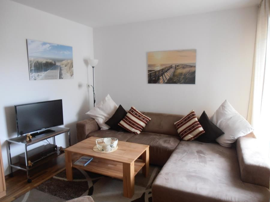 The Renovated Non Smoking 2 Room Apartment Is Located On 2nd Floor And Equipped With 1 Bedroom Double Bed Living Wardrobe