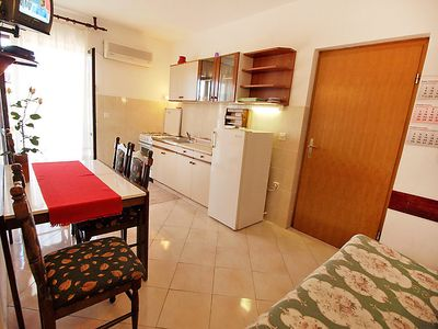 Photo for Apartment Marušić in Molat/Brgulje - 4 persons, 1 bedrooms