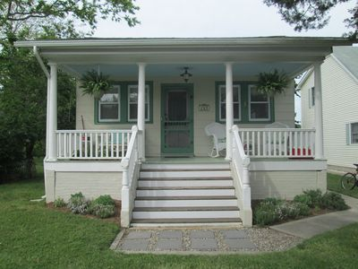 Photo for Beautifully Renovated Cottage, Close to Ocean!