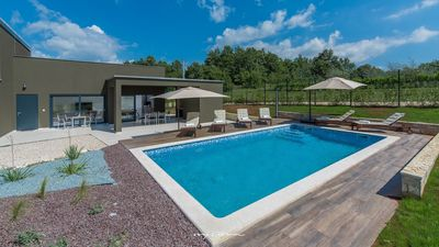 Photo for Modern luxury villa with pool in central Istria