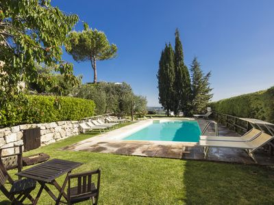 Photo for Apartment Girasole with a  view over San Gimignano, common pool and garden