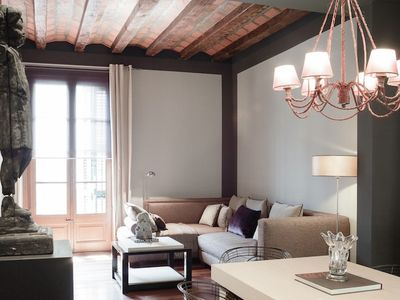 Photo for Romantic accommodation right in the Plaza Catalunya area - B244