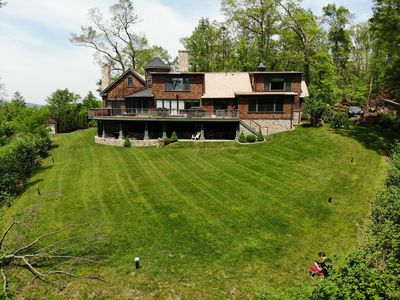 Exclusive High End Candlewood Lake retreat