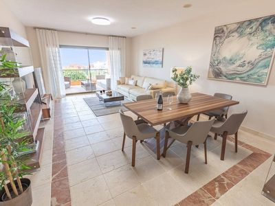 Photo for Luxurious Apartment with Seaview by Villa Padierna