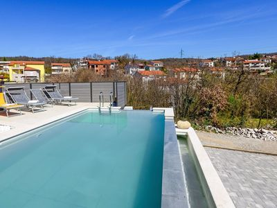 Photo for Lovely apartment for 4 guests with A/C, private pool, WIFI, TV, balcony and parking